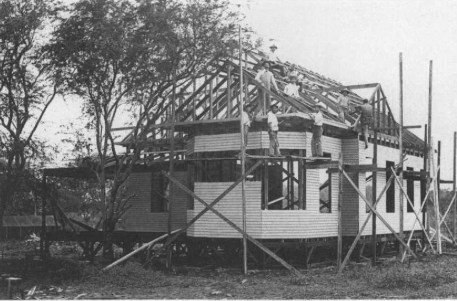 Kamehameha_School_for_Boys-Carpentry_shop_students_building_a_school_cottage_1902-1903,_(WC)